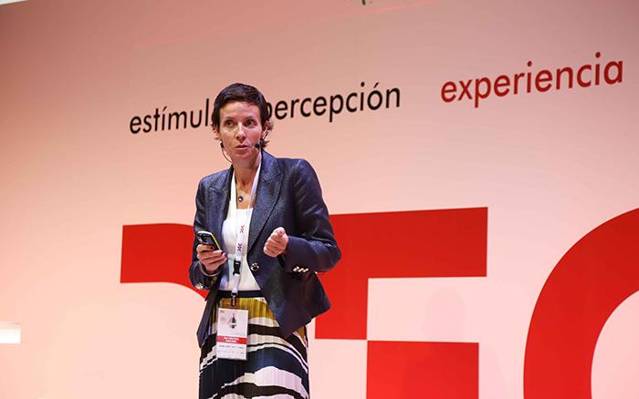 Raquel Pinillos en el Congreso DEC